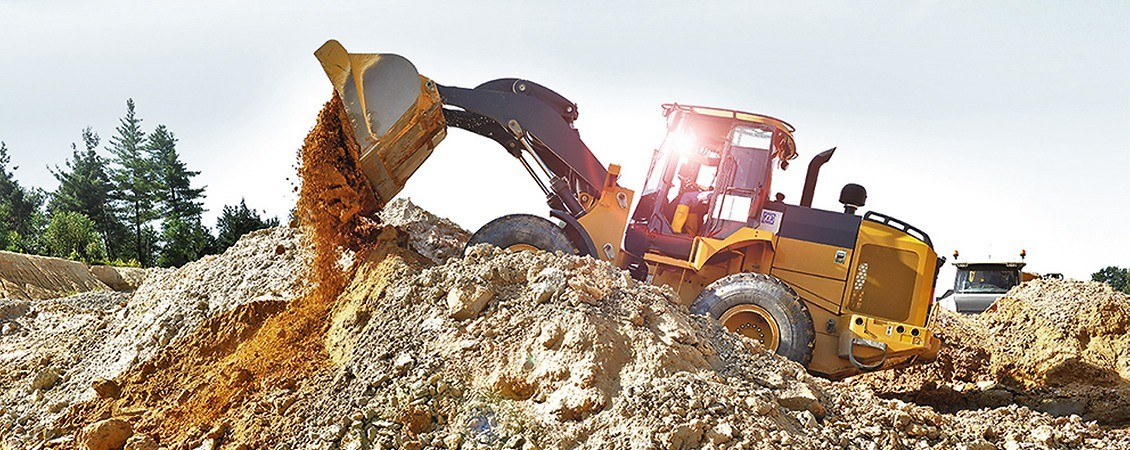 Wheel loader in a gravel pit